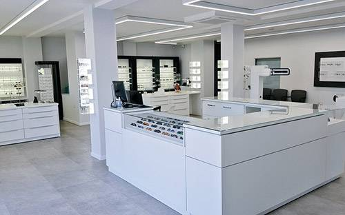 Our modern, spacious store is regularly disinfected and is hygienic thanks to glass surfaces.